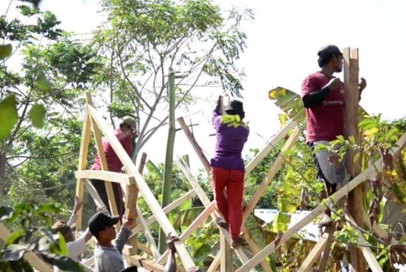 Pembangunan rumah pascagempa di Lombok, NTB (ilustrasi)