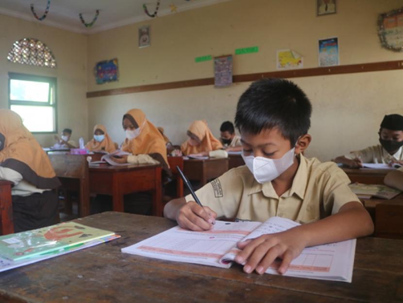 Pembelajaran Tatap Muka Terbatas (PTMT) telah dilaksanakan di sejumlah sekolah di Tanah Air (ilustrasi)