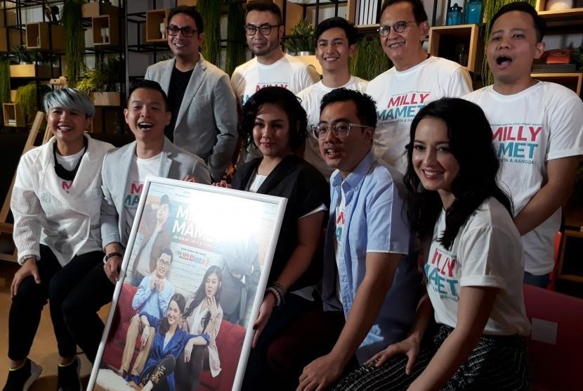 Pemeran dan sutradara di acara peluncuran poster film Milly & Mamet.