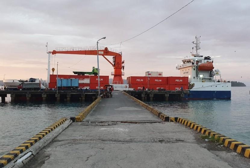 Pemerintah mengoptimalkan pelayanan tol laut di Maluku.