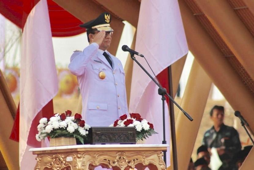 Pemerintah Provinsi (Pemprov) DKI Jakarta menggelar upacara hari kemerdekaan ke-74 Republik Indonesia di Kawasan Pantai Maju atau Pulau D Reklamasi, Sabtu (17/8).