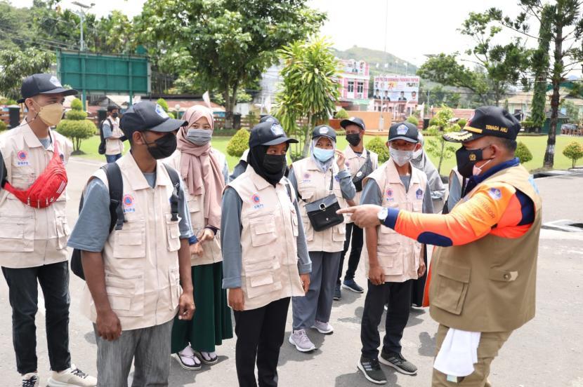 Pemerintah pusat melalui Badan Nasional Penanggulangan Bencana (BNPB) tengah melakukan inisiasi pembentukan gerai masker di beberapa lokasi Venue Pekan Olah raga Nasional (PON) XX di Kota Jayapura.