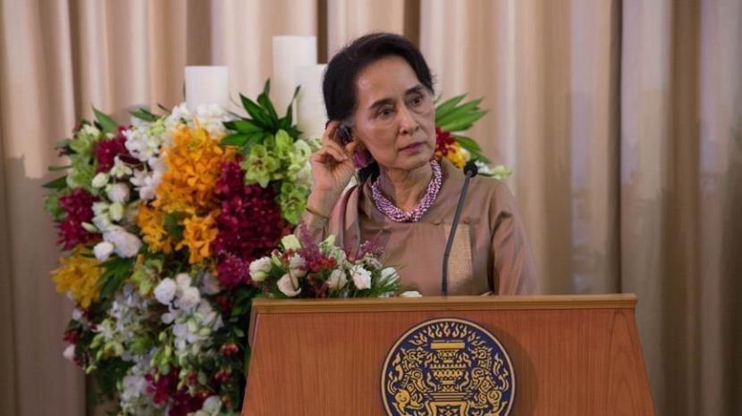 Pemimpin de facto Myanmar Aung San Suu Kyii.