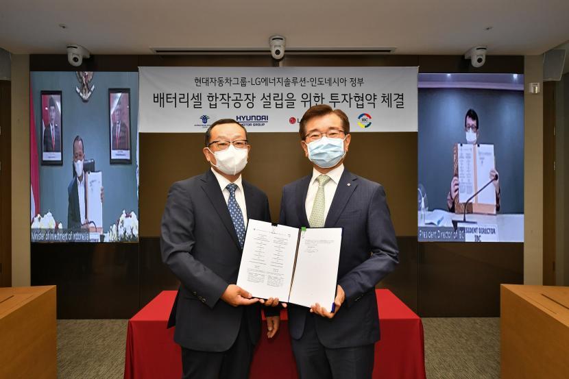 Penandatangan MoU yang diadakan di kantor pusat LG Energy Solution, Seoul. Penandatanganan dilakukan Sung Hwan Cho, President and CEO Hyundai Mobis, dan Jong Hyun Kim, President LG Energy Solution pada 28 Juli lalu