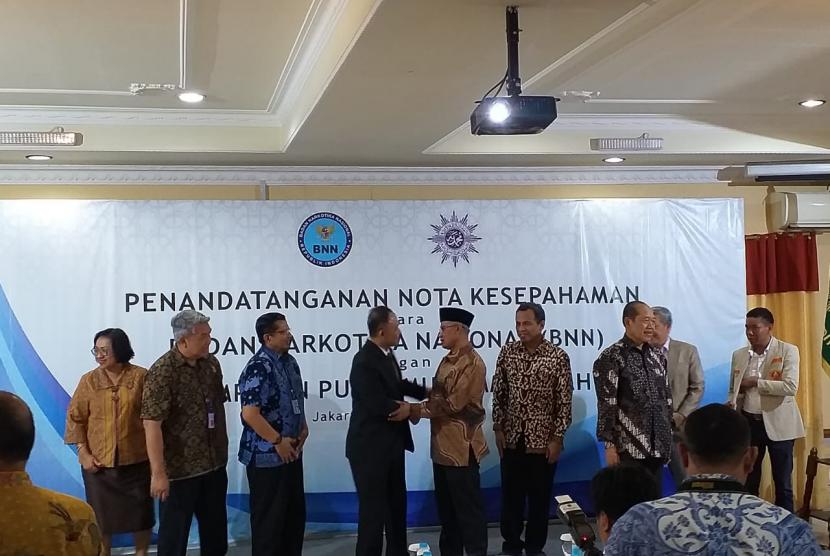 Penandatanganan MoU antara BNN dan PP Muhammadiyah di Kantor PP Muhammadiyah pada Jumat (16/8).