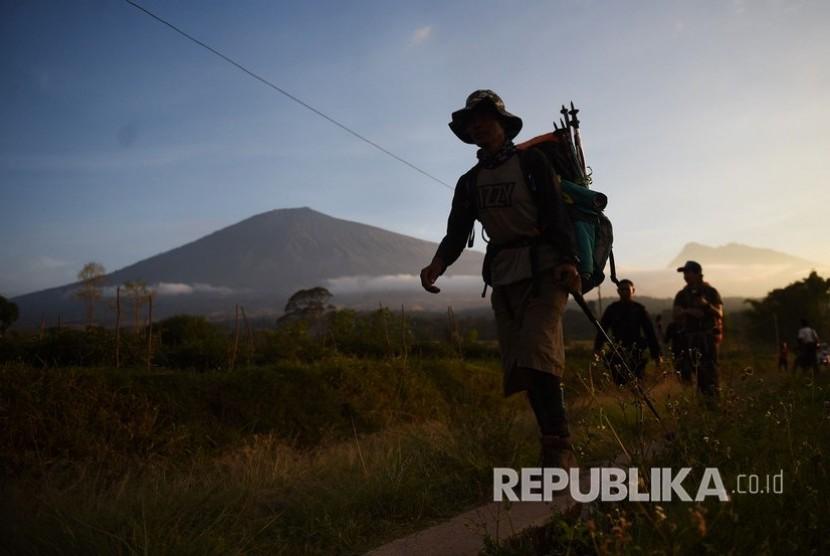 Pendaki Gunung Rinjani tiba di Pos Bawaknao, Sembalun, Lombok Timur, NTB. (Dok)