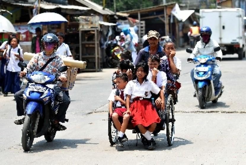 Pendidikan anak menjadi tujuan keuangan utama keluarga Indonesia. Mencapai tujuan tersebut dengan asuransi namun belum jadi prioritas.