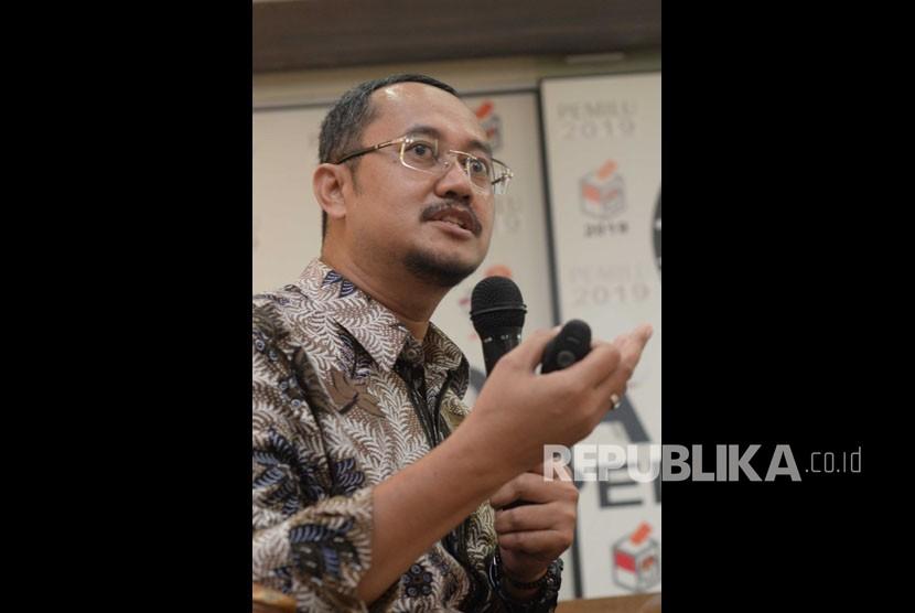 Peneliti Senior Network for Democracy and Electoral Integrity (NETGRIT) Ferry Kurnia Rizkiyansyah .