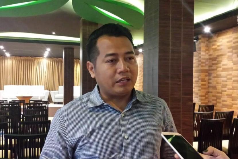 Pengamat politik UIN Syarif Hidayatullah, Adi Prayitno. Ia memberikan keterangan kepada awak media di sela diskusi publik Parameter Politik Indonesia, Jumat (15/3).