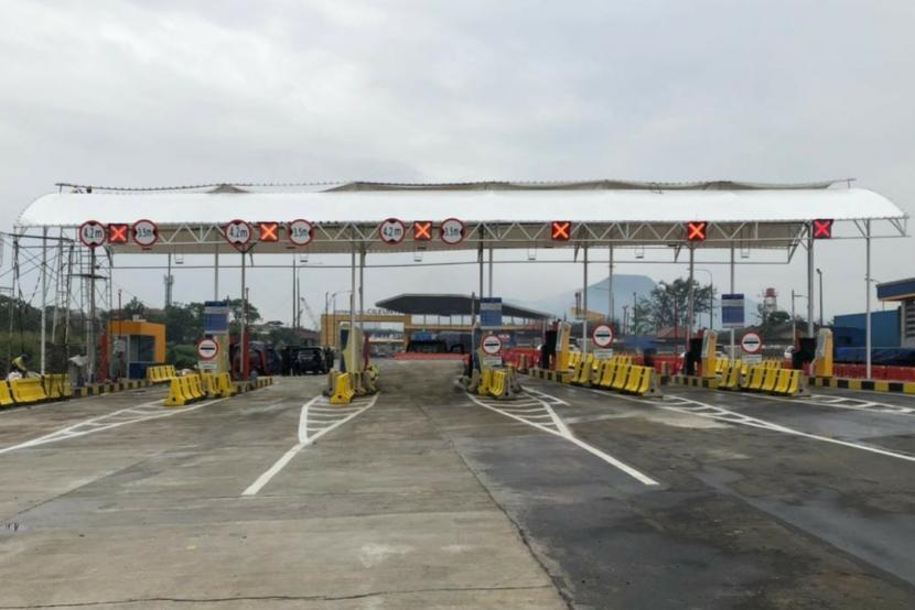 Pengelola Tol Padaleunyi, Jasa Marga Metropolitan Tollroad akan mengoperasikan gerbang tol (GT) sementara akses keluar Tol Cileunyi. Kebijakan tersebut dilakukan imbas dari pembangunan Interchange (IC) Cileunyi yang menghubungkan Tol Padaleunyi dan Tol Cisumdawu.