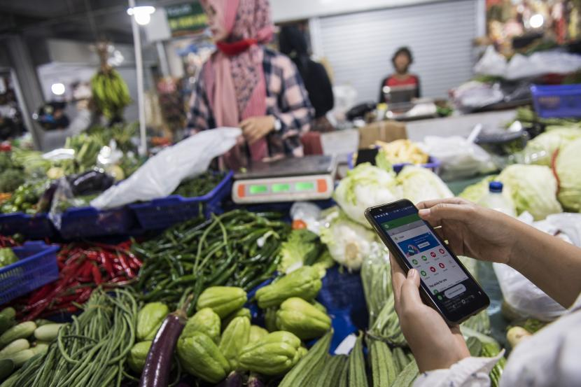 [Ilustrasi] Belanja sayur-mayur di pasar Kosambi, Bandung, Jawa Barat.
