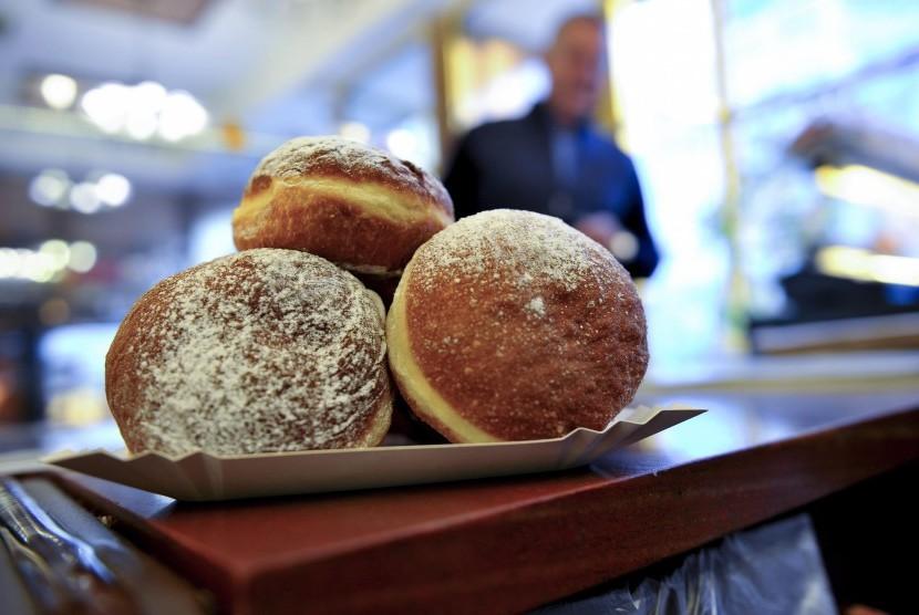 Penggemar makanan manis akan memiliki penumpukan lemak di area pinggang dan perut.