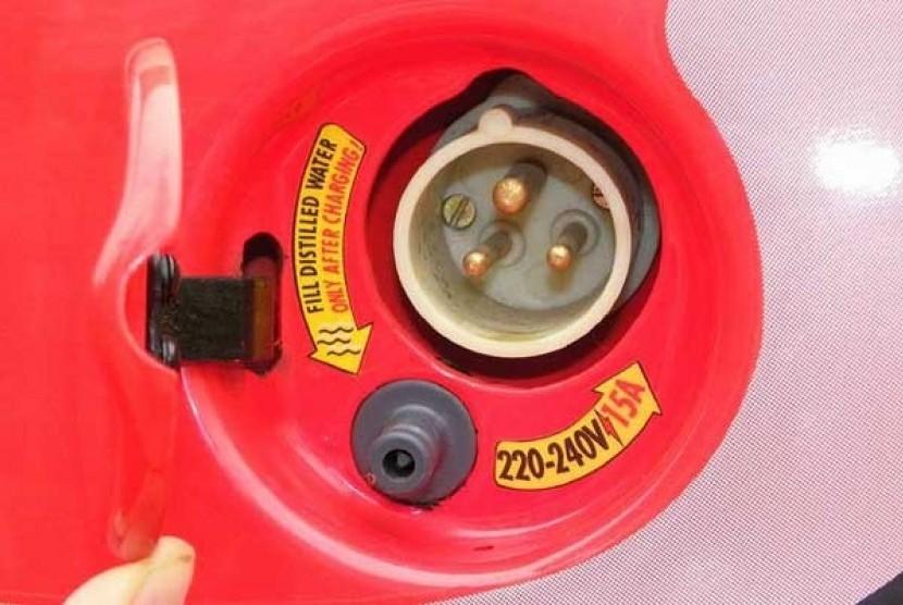 Pengisian baterai mobil listrik(ilustrasi)