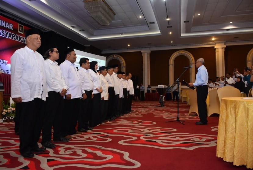 Pengukuhan Forum Kewaspadaan Dini Masyarakat (FKDM) Kabupaten Sleman di The Rich Jogja Hotel.
