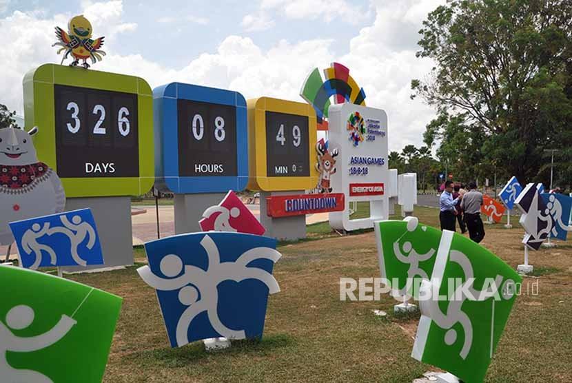 Pengunjung yang datang ke Jakabaring Sport City (JSC) yang akan menjadi tempat pelaksanaan Asian Games XVIII – 2018, Jakarta – Palembang selalu akan memilih spot countdown sebagai tempat berfoto atau swafoto untuk mengukir kenangan.