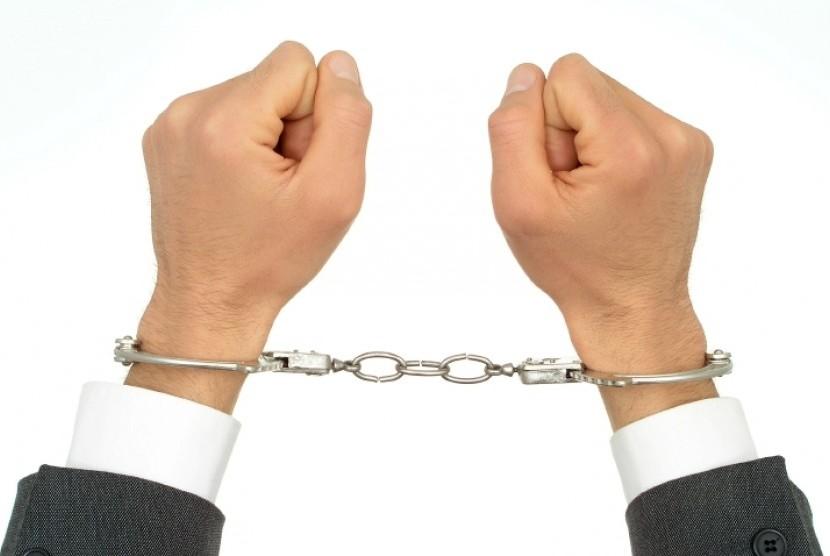 Tiga Penipu Beraksi Dengan Uang Mainan Ditangkap Polisi