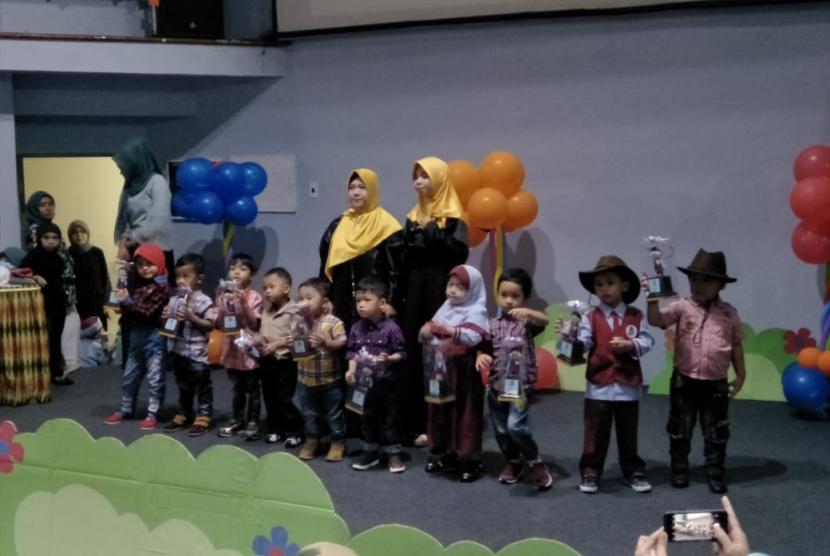 Pentas Seni Sekolah Karakter Genius Islamic School, Kamis (25/4)