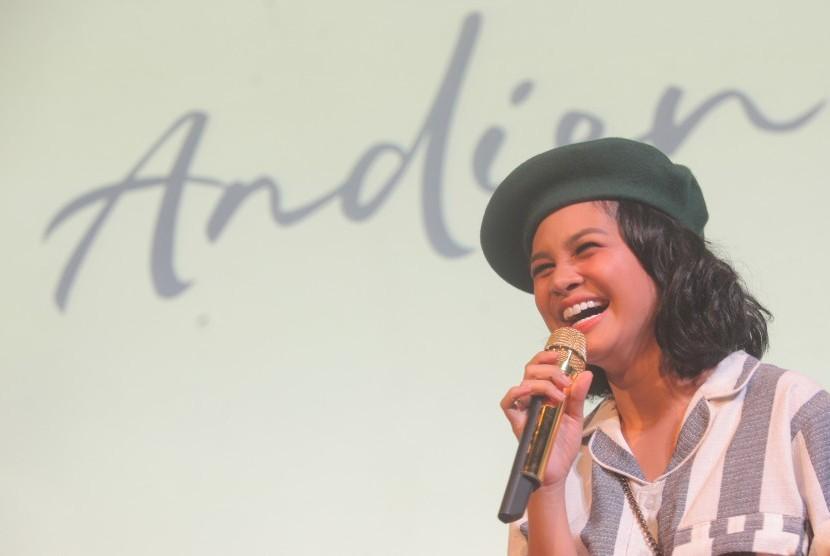 Penyanyi Andien.