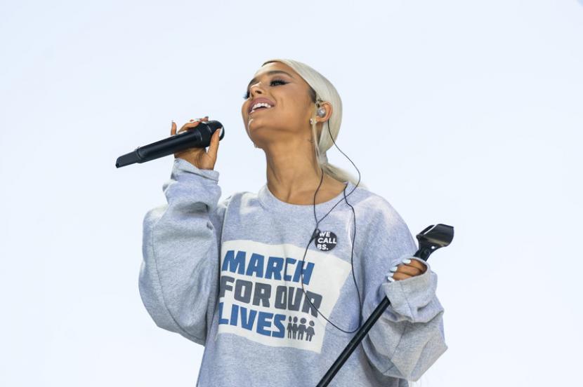 Penyanyi Ariana Grande. Ariana & the Rift Tour akan tersedia di Fortnite untuk lima slot waktu mulai 6 hingga 8 Agustus 2021.