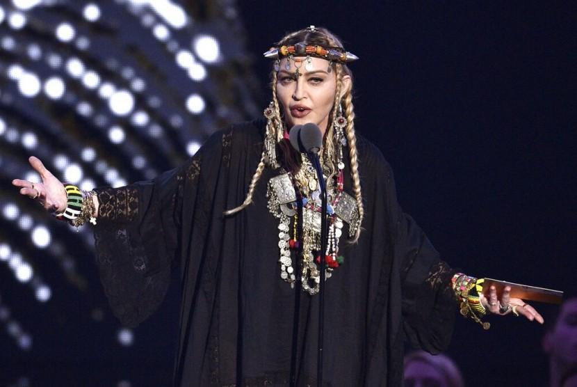 Penyanyi Madonna.