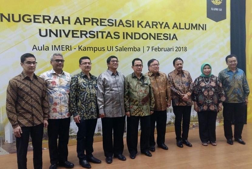 Penyerahan Anugerah Apresiasi Karya Alumni UI 2018..