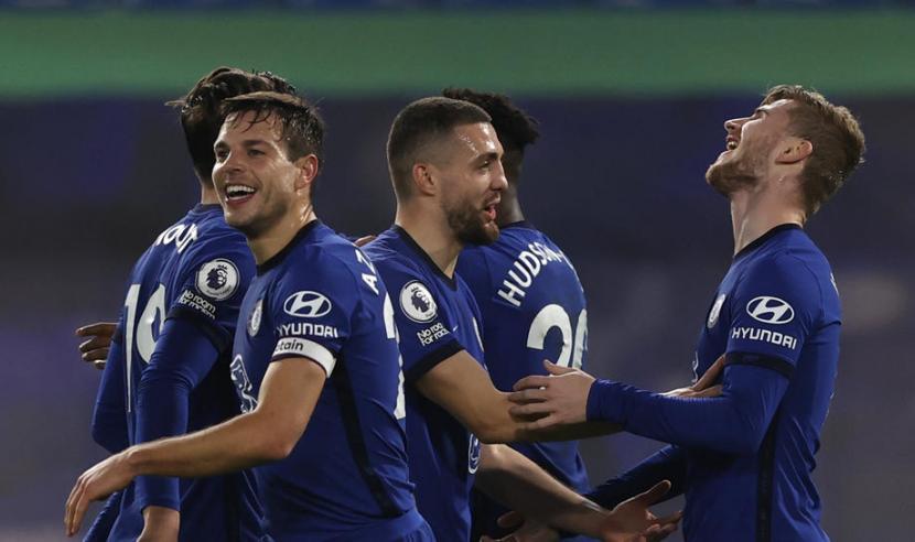 Penyerang Chelsea Timo Werner (kanan) merayakan golnya ke gawang Newcastle United.