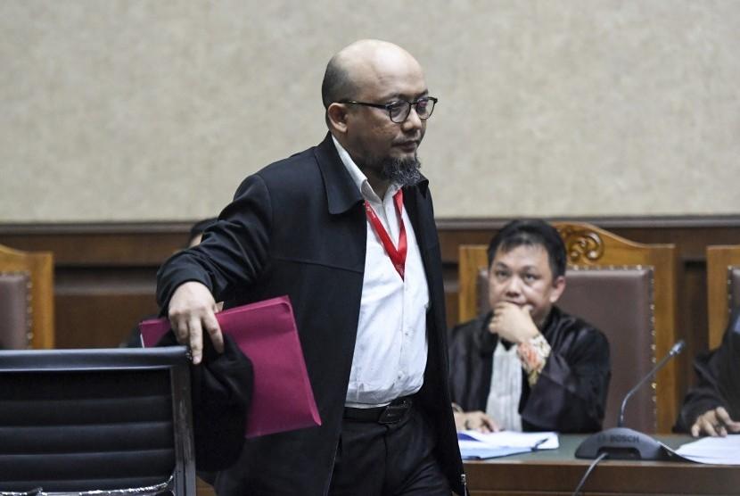 Penyidik KPK Novel Baswedan bersiap menjadi saksi dalam sidang kasus merintangi penyidikan perkara korupsi dengan terdakwa Lucas di Pengadilan Tipikor, Jakarta, Kamis (10/1/2019).