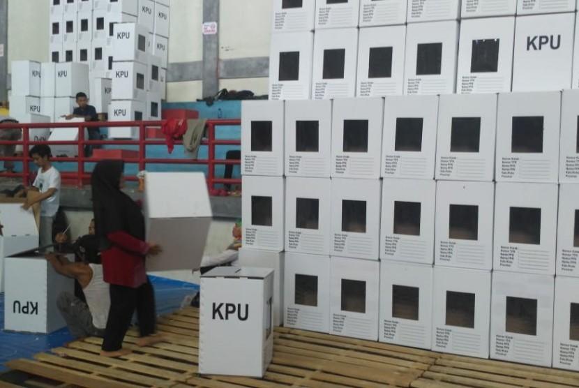 Ilustrasi perakitan kotak suara.