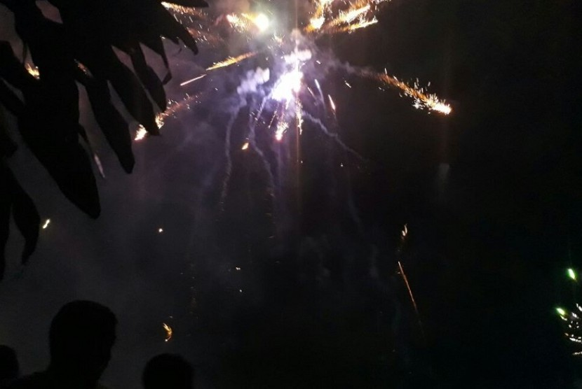 Perayaan malam tahun baru (ilustrasi). Kepolisian Daerah Nusa Tenggara Timur melarang adanya konvoi atau pawai untuk menyambut Tahun Baru 2020 di wilayah provinsi berbasis kepulauan itu.
