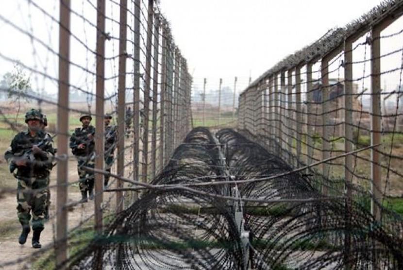 Perbatasan Kashmir yang memisahkan India dan Pakistan.
