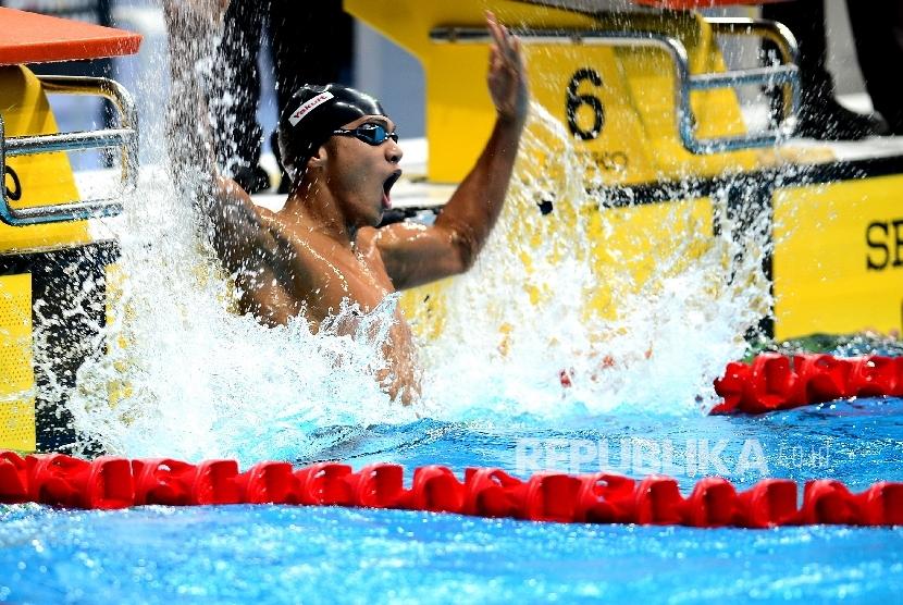 Perenang Indonesia Gagarin Nathaniel bertanding pada renang nomor 100 meter gaya dada SEA Games 2017 Kuala Lumpur di National Aquatic Center, Komplek Stadium Bukit Jalil, Malaysia, Jumat (25/8).