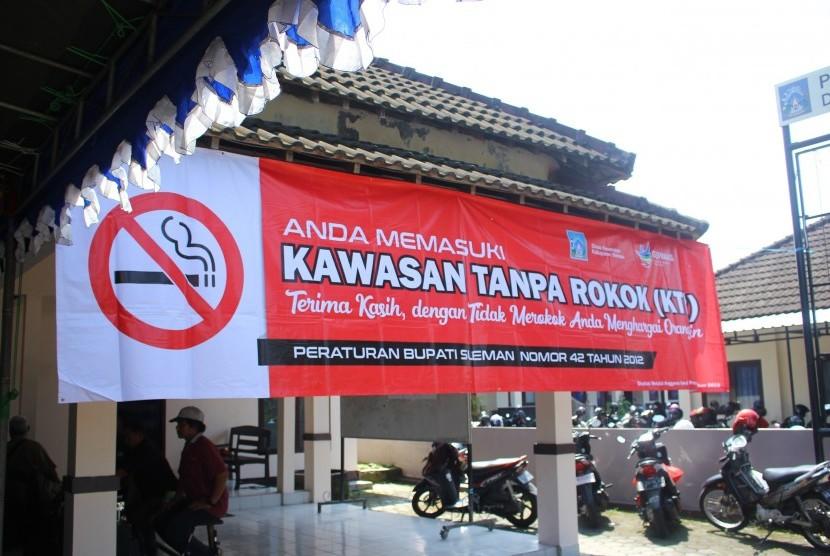 Peresmian Desa Widodomartani sebagai Desa Kawasan Tanpa Rokok  (KTR) di Balai Desa Widodomartani, Senin (29/4).