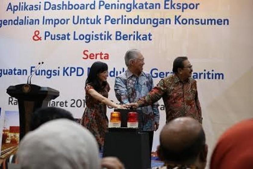 Peresmian Pusat Logistik Berikat di Jawa Timur.