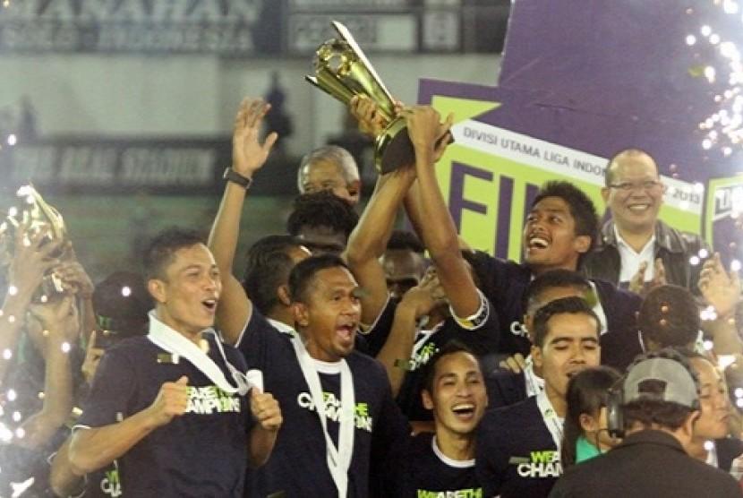 Persebaya DU menjadi kampiun Divisi Utama PT Liga Indonesia 2013.