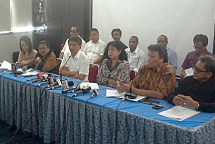 Persekutuan Gereja-Gereja Indonesia (PGI) memberikan pernyataan terkait kerusuhan di Tolikara, di kantor PGI, Salemba, Jakarta, Sabtu (18/7).