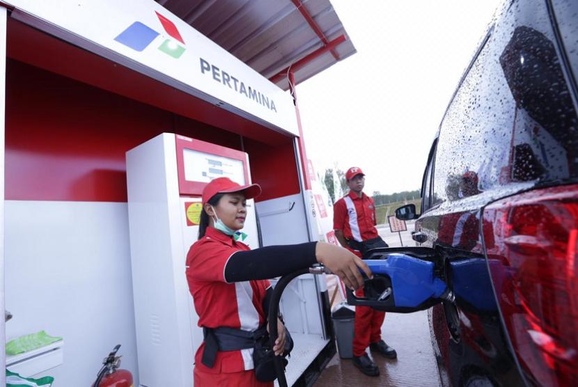 Pertamina menyediakan 1.200 layanan BBM sepanjang jalur tol Trans Jawa dan Sumatra selama arus balik Lebaran.