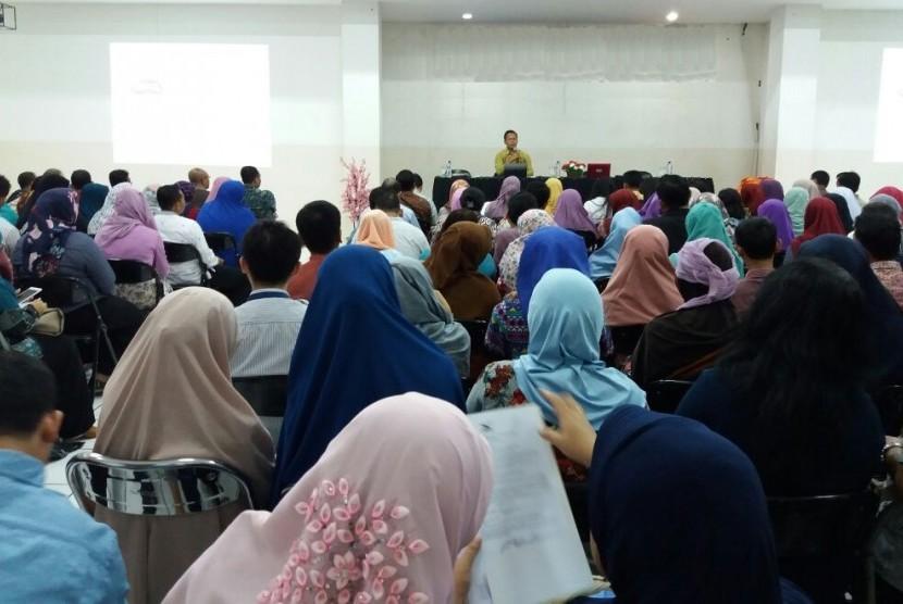 Pertemuan akademik awal semester STMIK Nusa Mandiri.