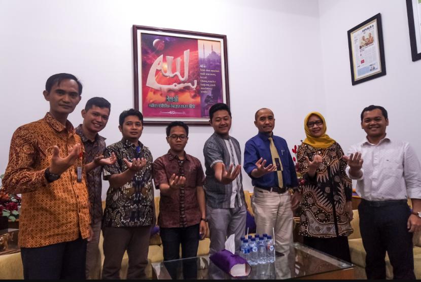 Perwakilan Universitas Amikom Yogyakarta yang akan berangkat ke  Cina untuk Apicta 2018.
