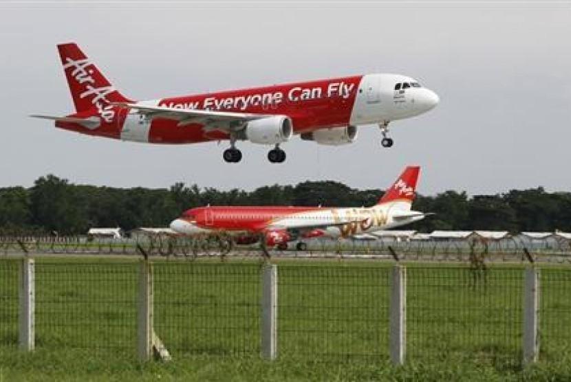 Pesawat AirAsia jenis Airbus A320 termasuk maskapai berbiaya murah.