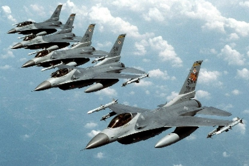 Pesawat F-16 milik militer Amerika Serikat.
