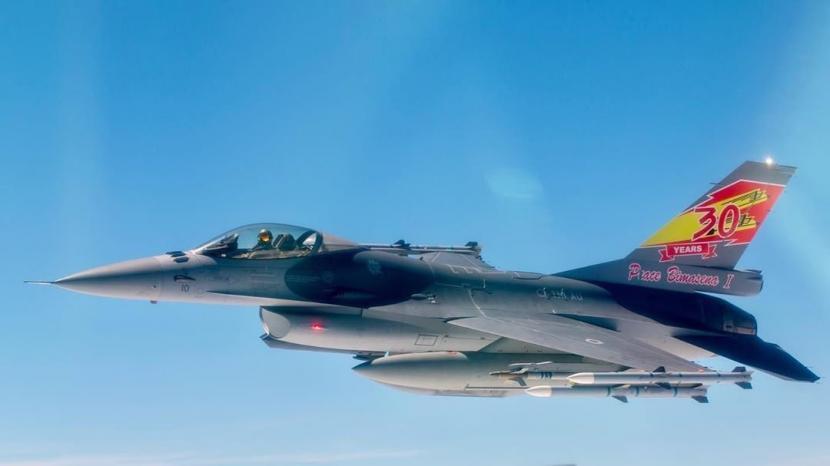 Pesawat F-16 Skadron Udara (Skadud) 3 Lanud Iswahjudi yang sudah menjalani program Falcon Star eMLU.