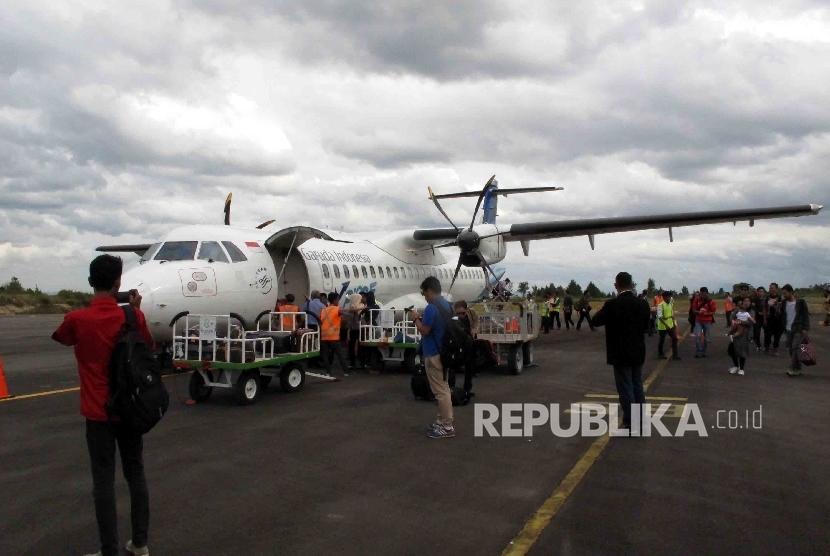 Garuda Explorer ATR72-600 arrives at Silangit International Airport, Siborongborong, North Sumatra. (File photo)