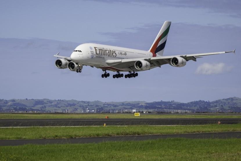 Pesawat maskapai Emirates Airlines