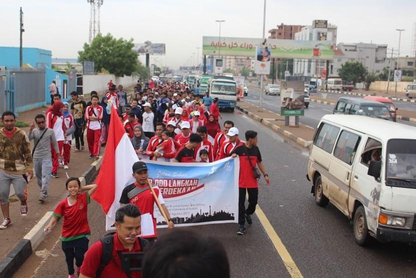 Peserta 10 Ribu langkah kemerdekaan di Kota Khartoum, Sudan.