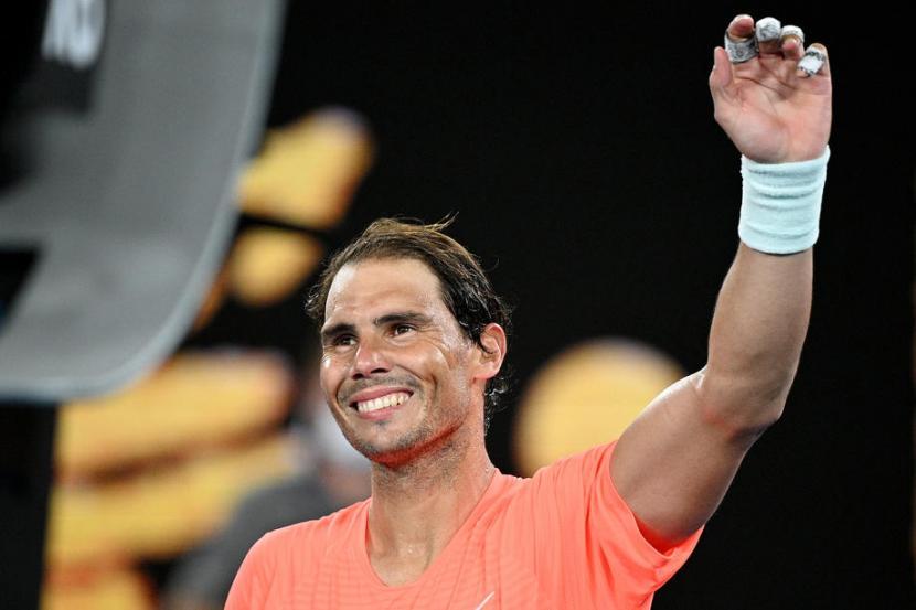 Petenis Spanyol, Rafel Nadal memastikan diri lolos ke babak ketiga Australia Open untuk ke-15 kalinya.