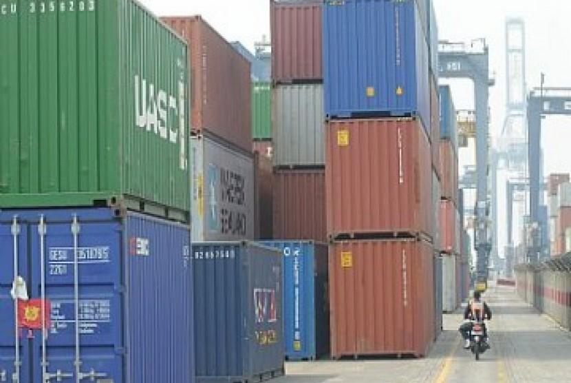 Peti kemas di pelabuhan, ilustrasi