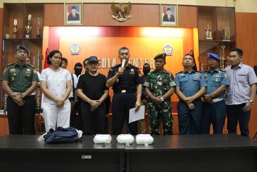 Petugas Bea Cukai Dumai mengamankan 3.104 gram sabu yang rencananya akan diselundupkan ke Dumai.