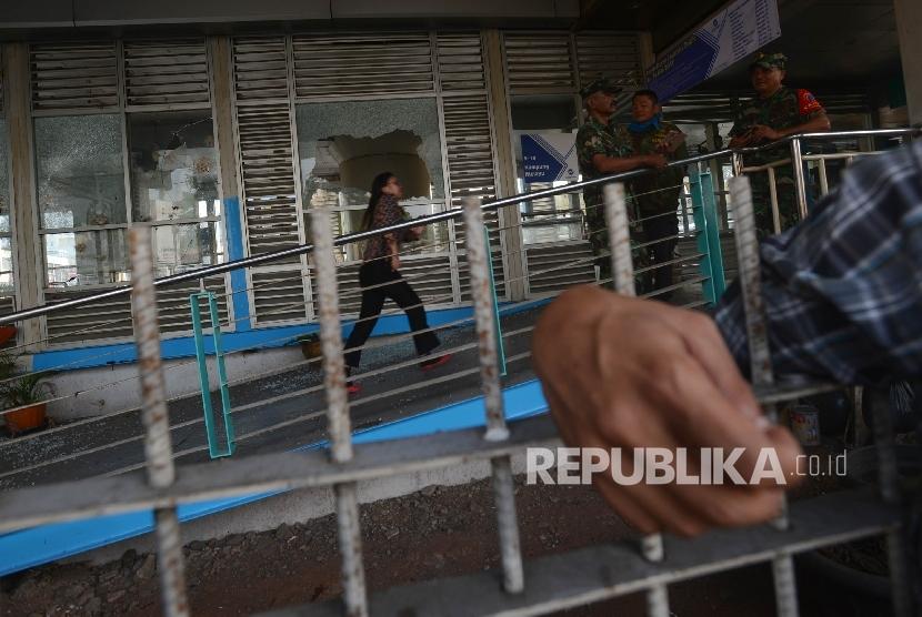 Bom bunuh diri di Terminal Kampung Melayu, Jakarta Timur, Rabu (25/5) yang ditengarai sebagai aksi terorisme