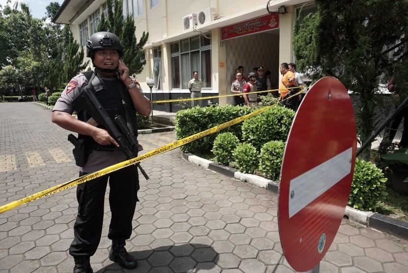 Penjagaan Markas Kepolisian di Jateng Diperketat (ilustrasi).