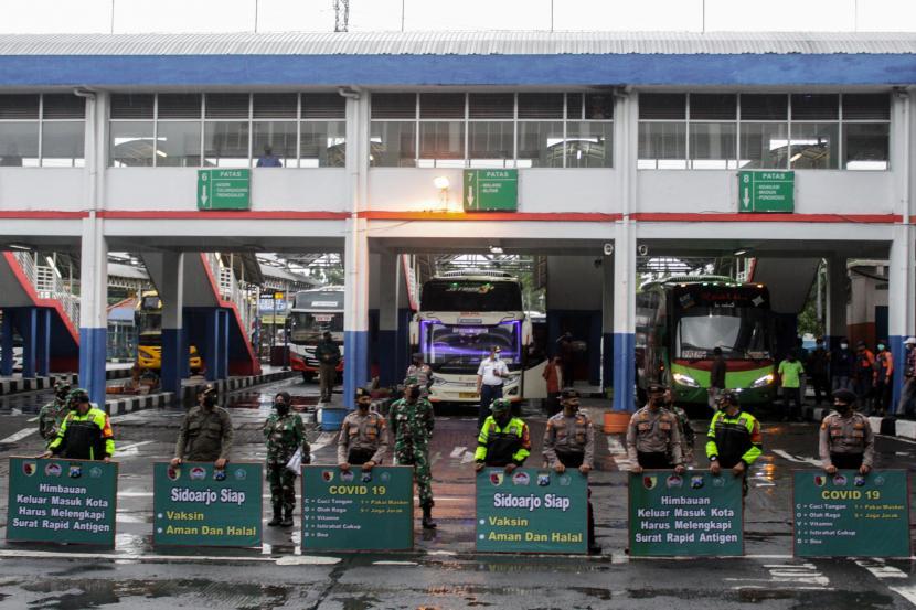 Polisi Sidoarjo Ingatkan Larangan Mudik di Terminal Purabaya (ilustrasi).